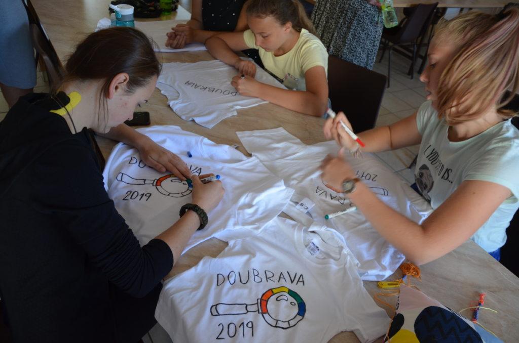 Tvoříme upomínková trička